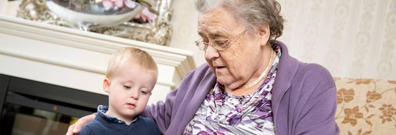 bewoner met kleinkind